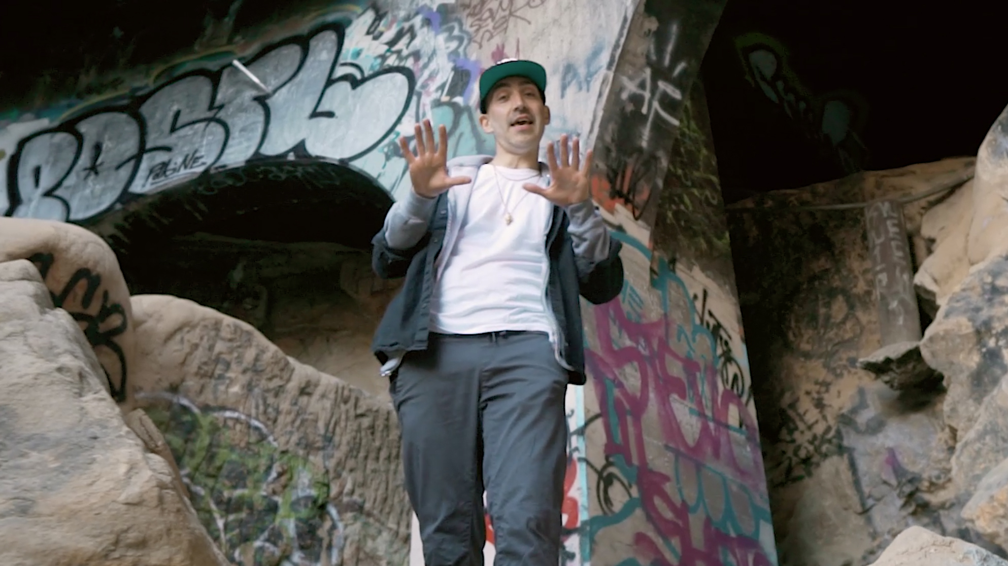 """Bobby Hustle – """"W.W.P.T."""" (Official Video)"""